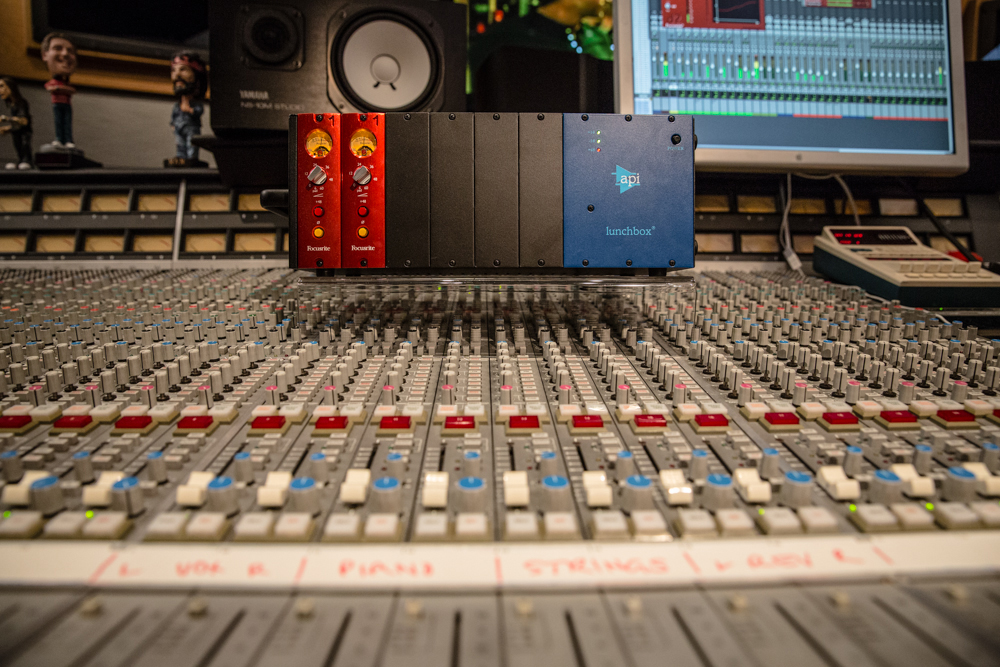 Focusrite Miles Walker Red 1 500